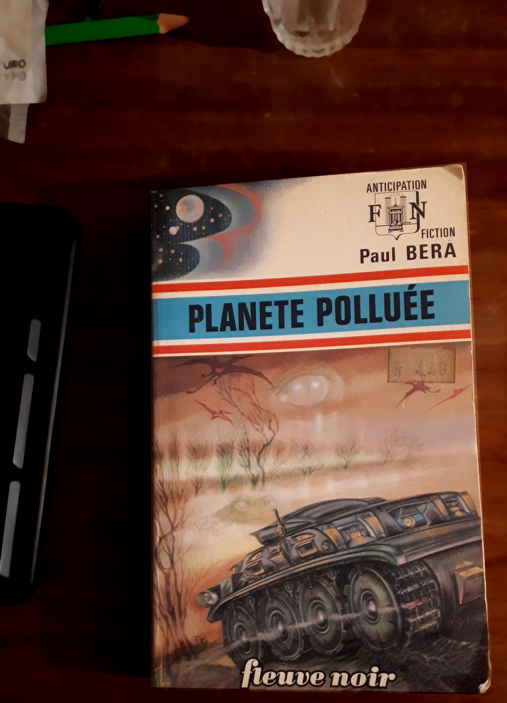 Planète polluée - couverture